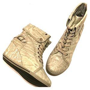 Bucco wedge boots